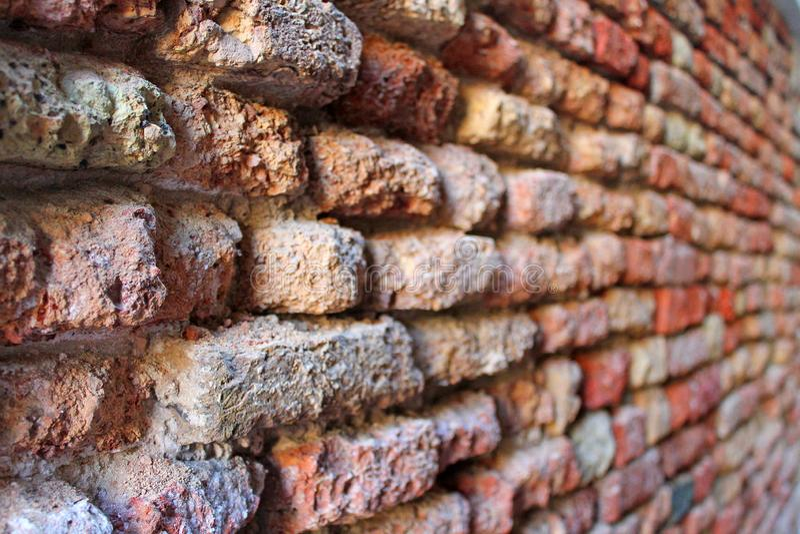 Vieux mur de briques rouge ? Venise images stock