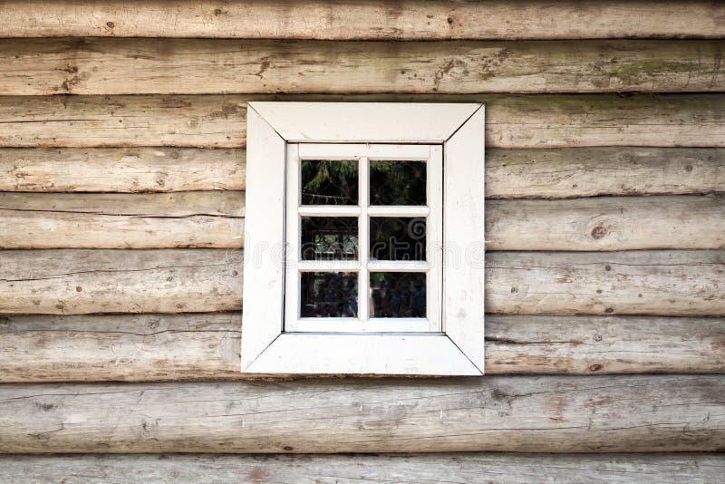 vieux mur en bois de maison avec la fen tre texture de fond photo stock image du surface. Black Bedroom Furniture Sets. Home Design Ideas