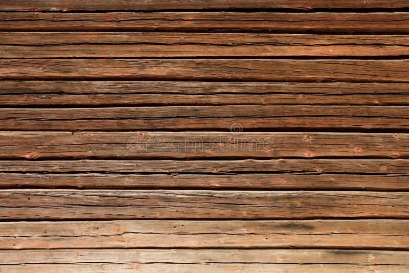Vieux mur en bois de maison de logarithme naturel photo stock