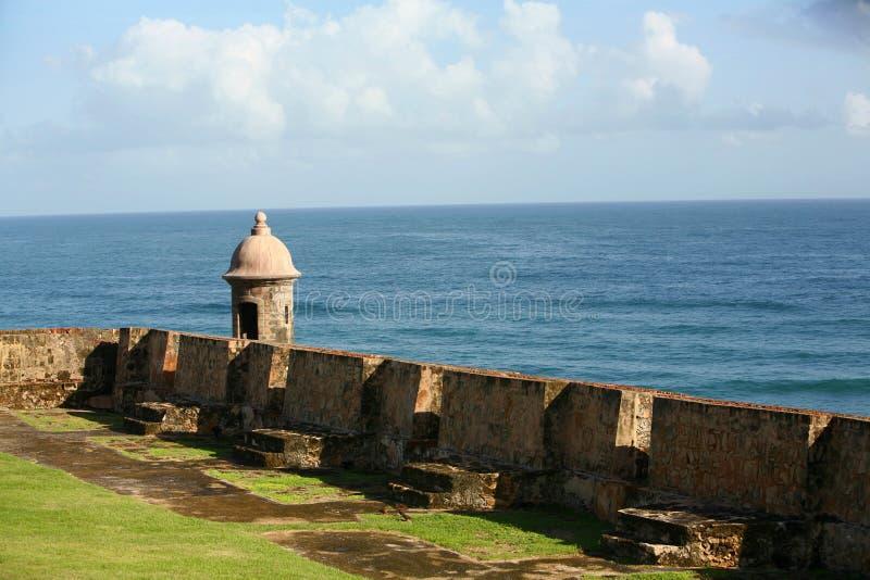 Vieux murs de forteresse de guérite image libre de droits