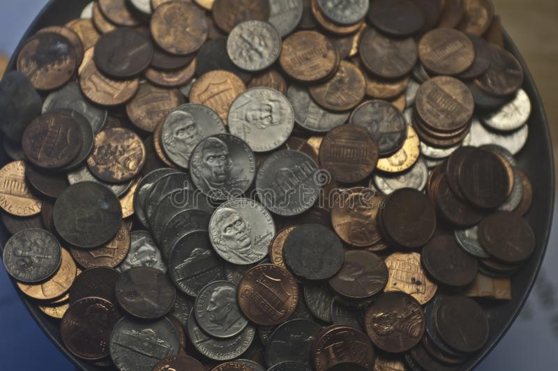 Vieux nickels aléatoires de dixièmes de dollar de penny de pièces de monnaie des USA photos libres de droits