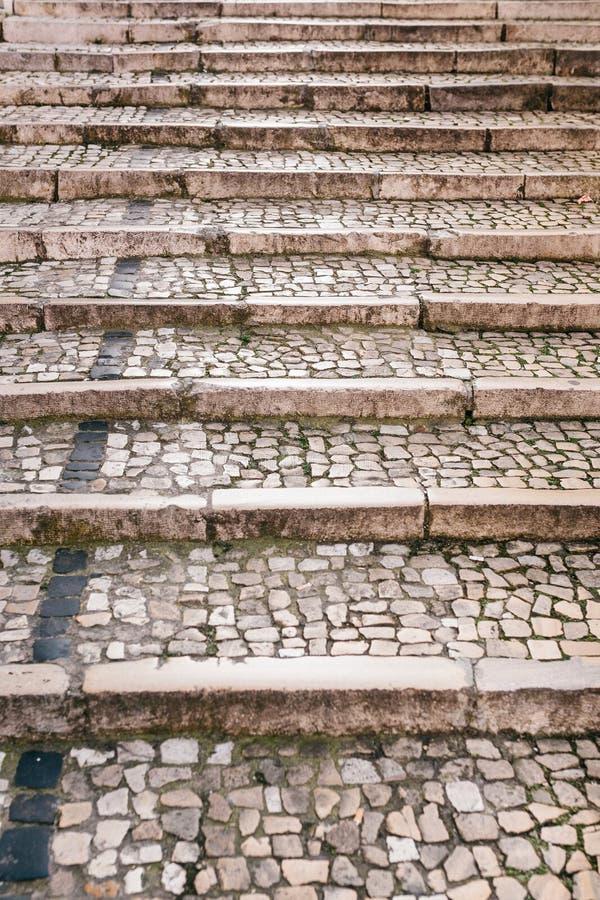 Vieux ou traditionnel escalier médiéval en pierre Voie vers le haut image libre de droits