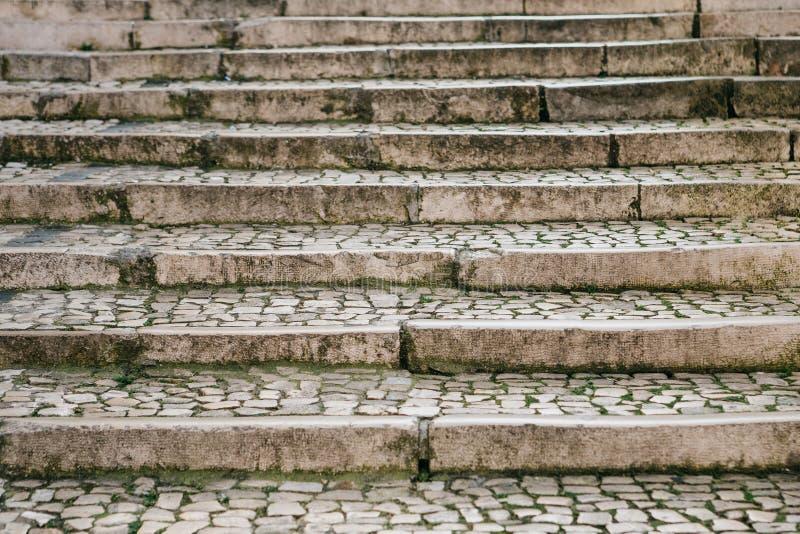 Vieux ou traditionnel escalier médiéval en pierre Voie vers le haut photo libre de droits