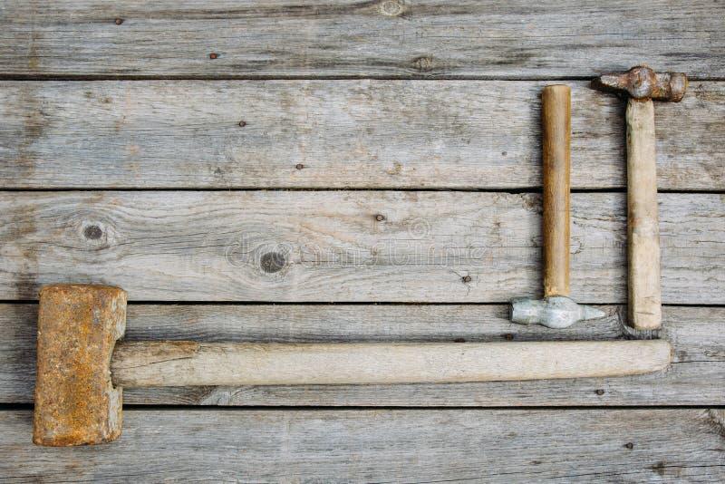 Vieux outils rouillés images stock