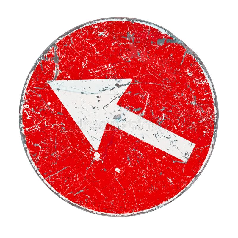 Vieux panneau routier avec la flèche blanche sur le fond rouge image libre de droits