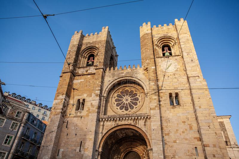 Vieux panorama de Lisbonne Portugal Paysage urbain avec des toits Le Tage photos stock