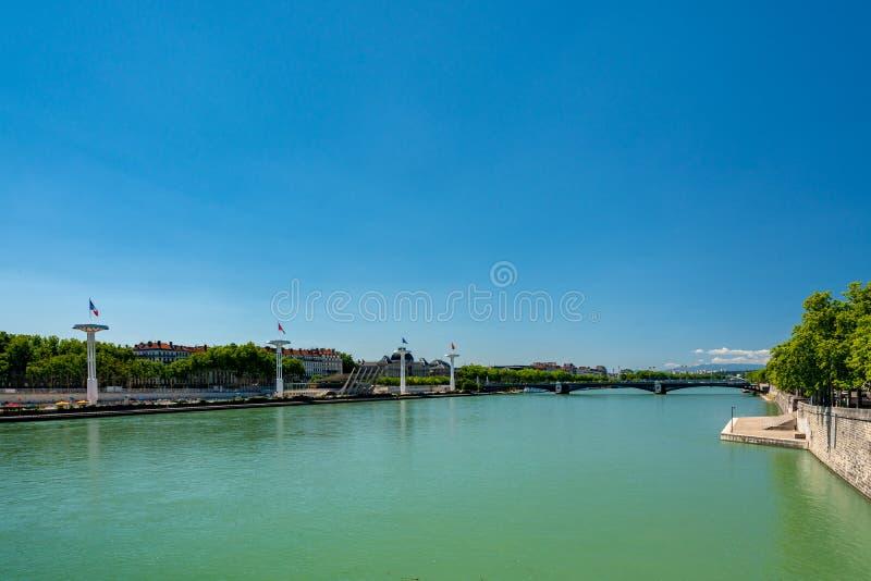 Vieux panoramique au-dessus du Rhône à Lyon, France image stock