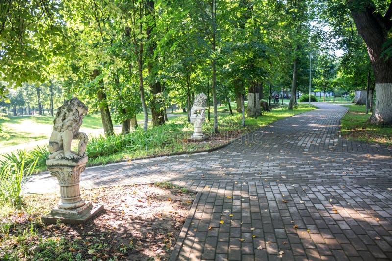 Vieux parc-manoir Belkino dans le jour d'été photo libre de droits