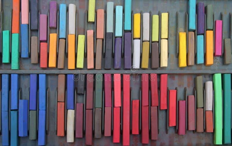 Vieux pastels colorés image stock
