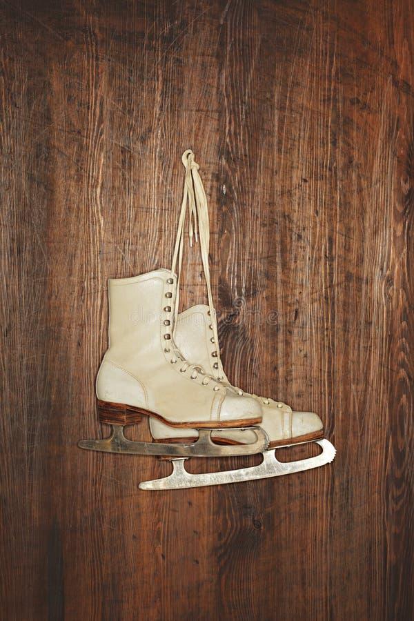 Vieux patins photo stock