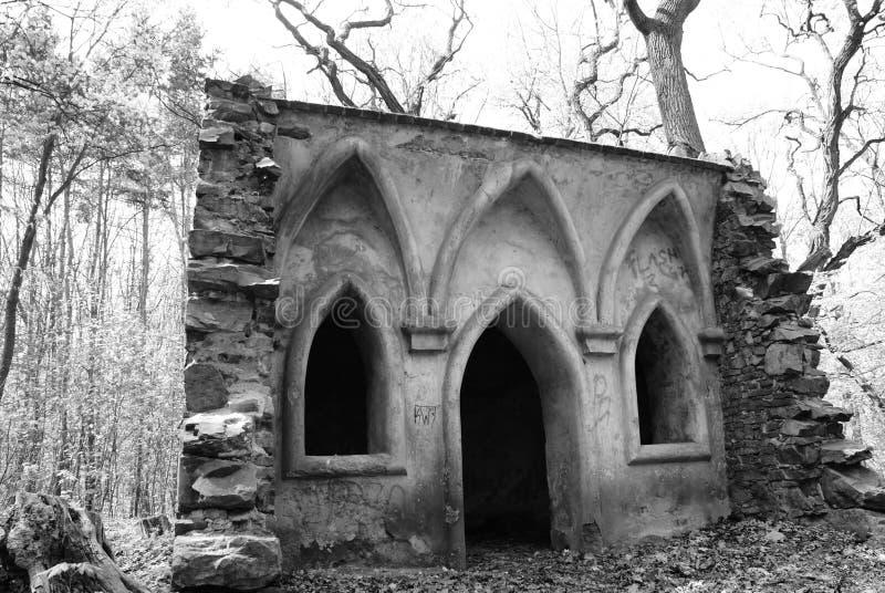 Vieux pavillon de jardin en parc photo libre de droits