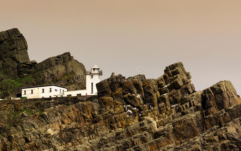Vieux phare en Skellig Michael, Irlande photo libre de droits