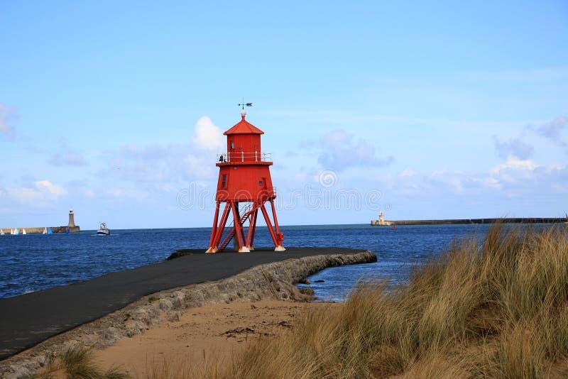 Vieux phare sur la rivière Tyne photographie stock