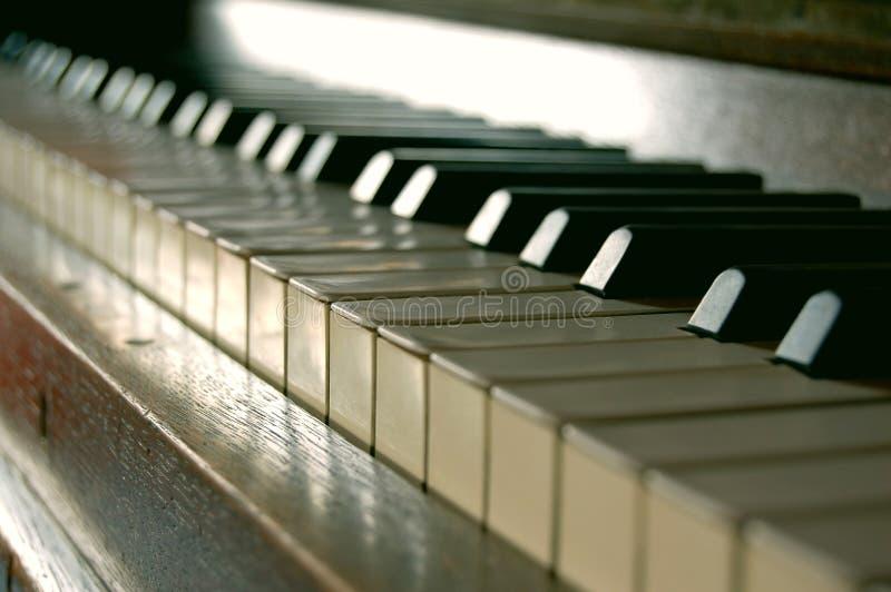Vieux piano photographie stock