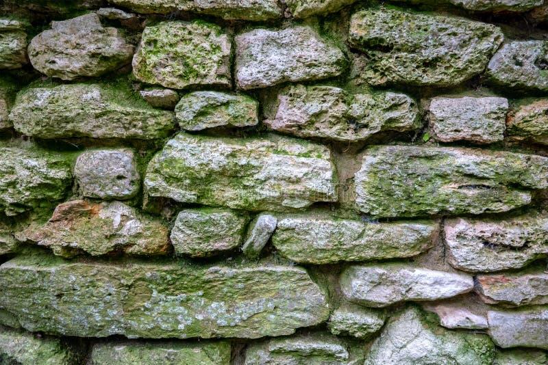 Vieux plan rapproché de mur en pierre photos stock