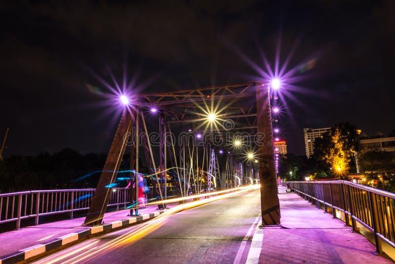 Vieux pont ChiangMai Thaïlande en fer images libres de droits