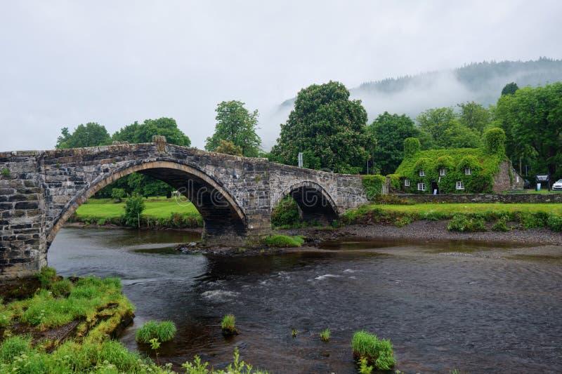 Vieux pont du Pays de Galles photographie stock libre de droits