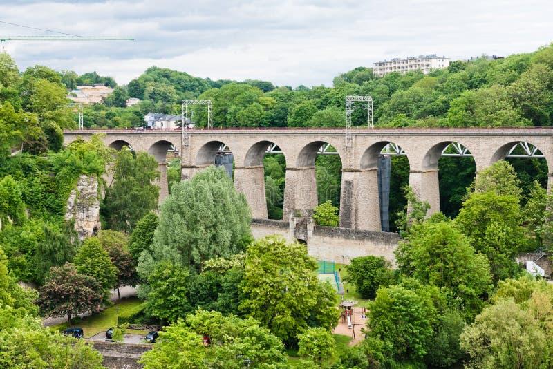 Vieux pont - pont de Passerelle photographie stock