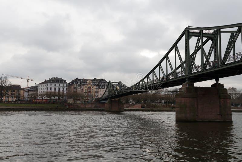 Vieux pont principal à Francfort images libres de droits