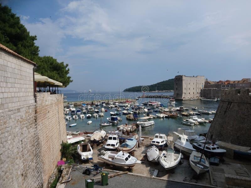 Vieux port de ville de Dubrovnik photos stock