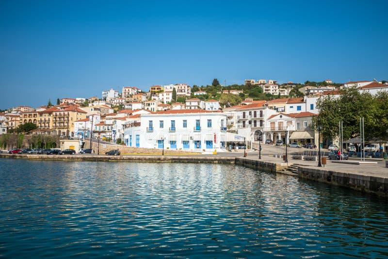 Vieux port de ville de Pylos dans Messenia, Péloponnèse, Grèce photo libre de droits