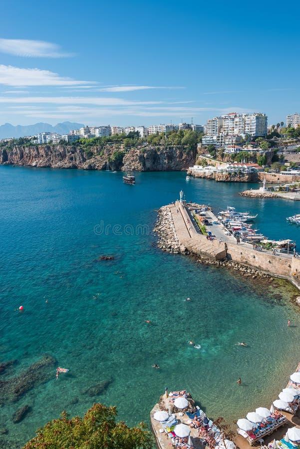 Download Vieux Port Et En Centre Ville Marina Appelée à Antalya, Turquie Image stock - Image du pêche, seascape: 45353119