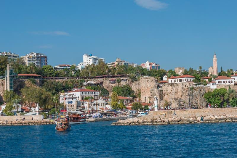 Download Vieux Port Et En Centre Ville Marina Appelée à Antalya, Turquie Image stock - Image du seascape, marina: 45353545