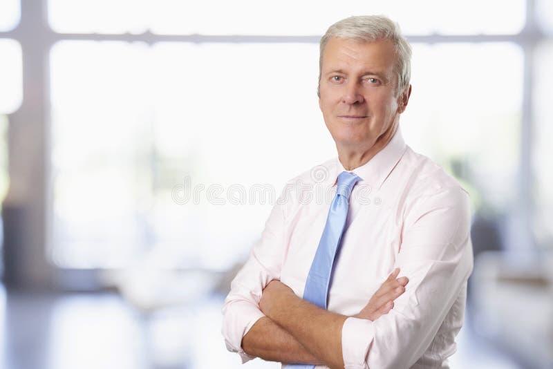 Vieux portrait d'homme d'affaires photos stock