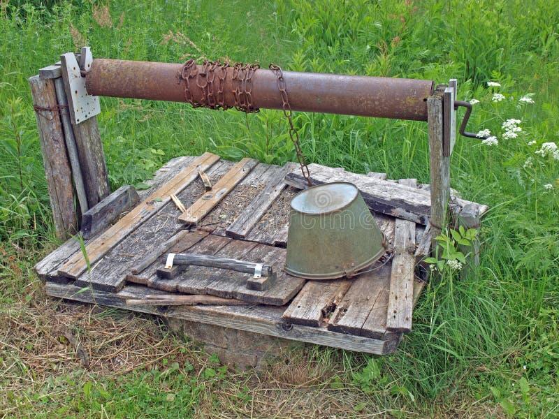 Vieux puits images stock