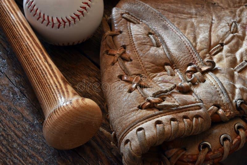 Vieux rétro équipement de base-ball de style image stock