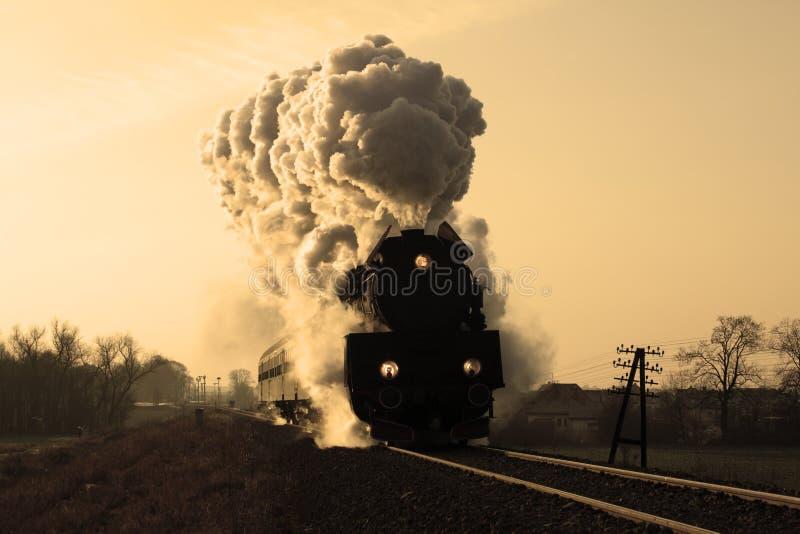Vieux rétro train de vapeur photos stock