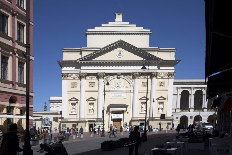 Vieux regard fixe Miasto, église carrée du ` s de St Anne de château, Varsovie de ville image stock