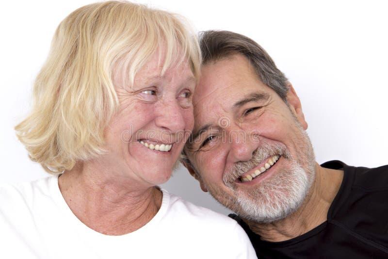 Vieux rire heureux de couples image stock