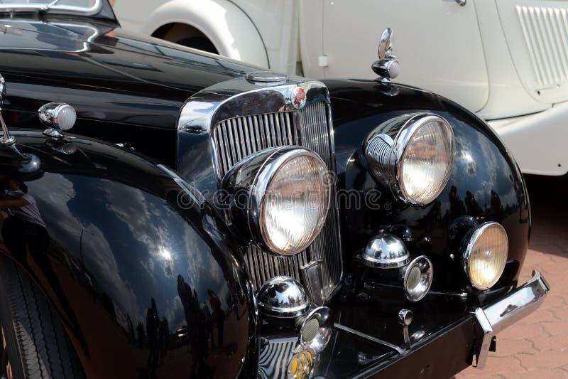Vieux roadster 1800 anglais de Triumph de voiture photographie stock libre de droits