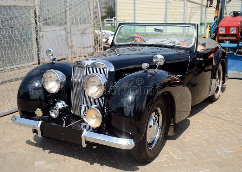 Vieux roadster 1800 anglais de Triumph de voiture images libres de droits