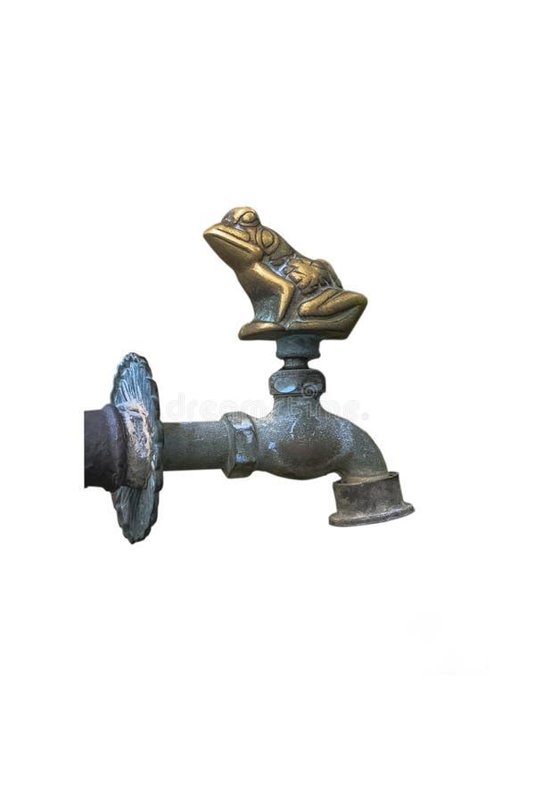 Vieux robinet de cuivre décoratif antique pour les pieds potables et de lavages et les mains, pour le jardin, d'isolement sur le  photos libres de droits