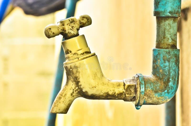 Vieux robinet rouillé photos stock