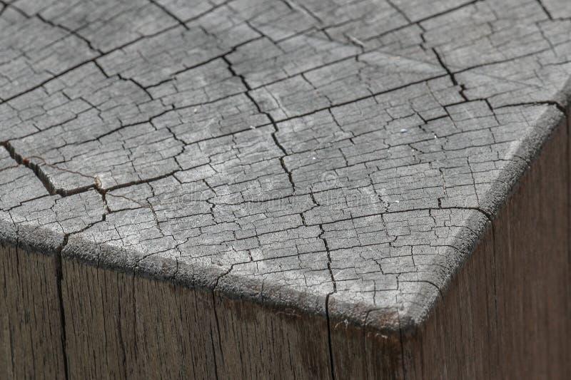 Vieux rondin équarri de bois image stock