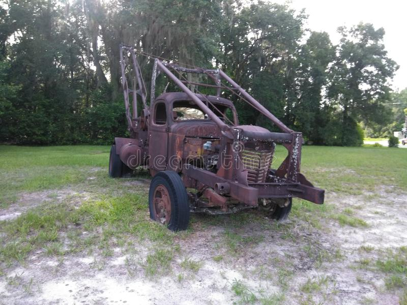 Vieux Rusty Tow Truck photographie stock