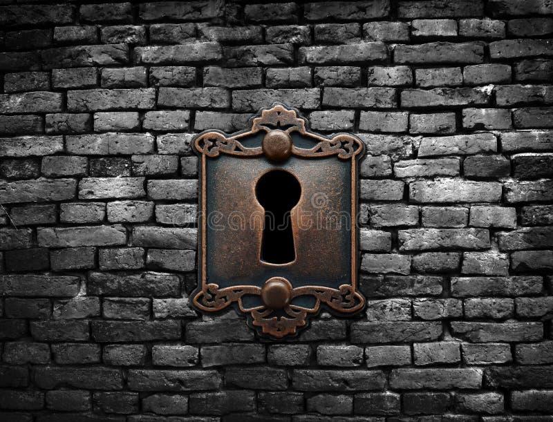 Vieux serrure et mur de briques photographie stock libre de droits