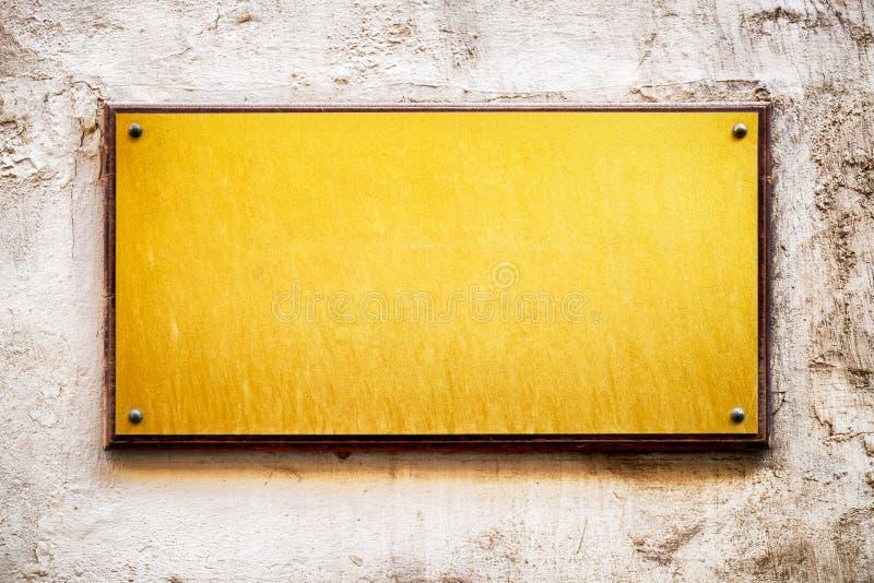 Vieux signe vide en métal images stock