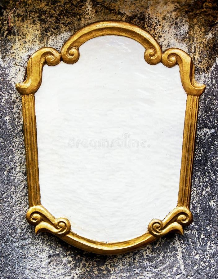 Vieux signe vide en métal photo libre de droits
