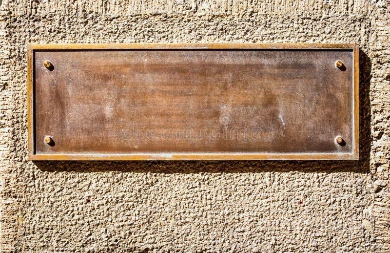 Vieux signe vide en métal photographie stock libre de droits