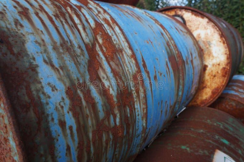 Vieux tambours inutilisés image libre de droits