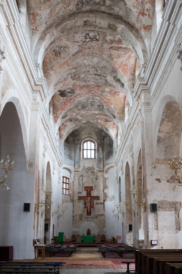 Vieux temple d'église sous la ville de reconstruction images stock