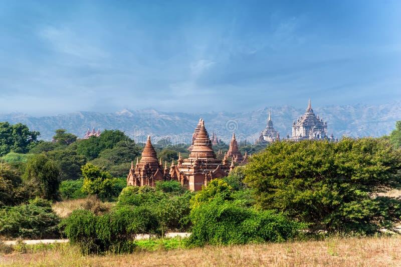 Vieux temples bouddhistes chez Bagan Kingdom, Myanmar (Birmanie) images libres de droits
