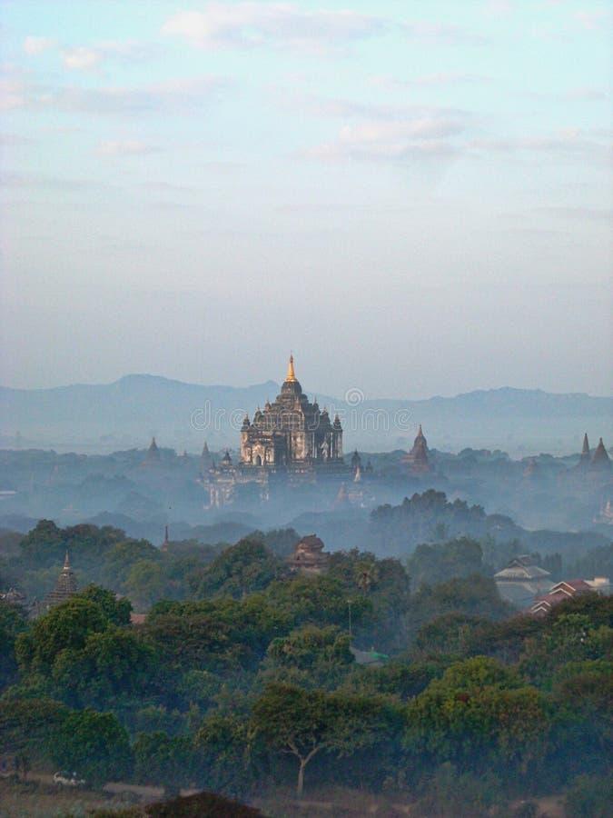vieux temples en Birmanie Vietnam image libre de droits