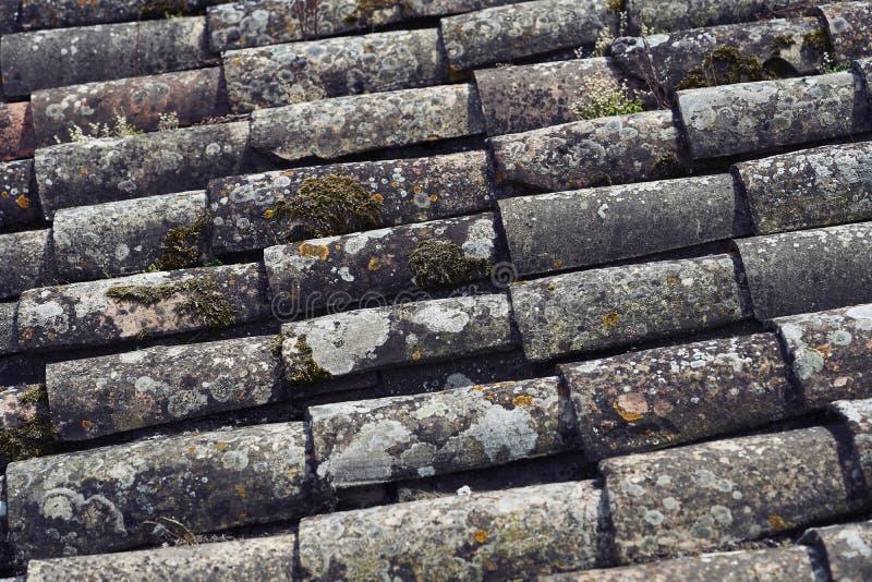 Vieux toit lapidé photographie stock libre de droits