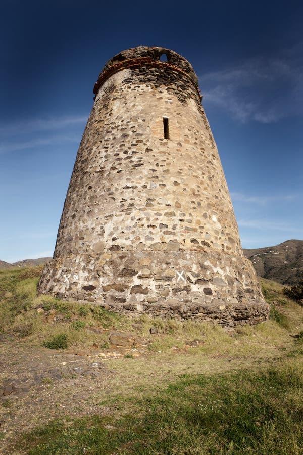 Vieux tour de guet en pierre en Espagne almunecar photos stock