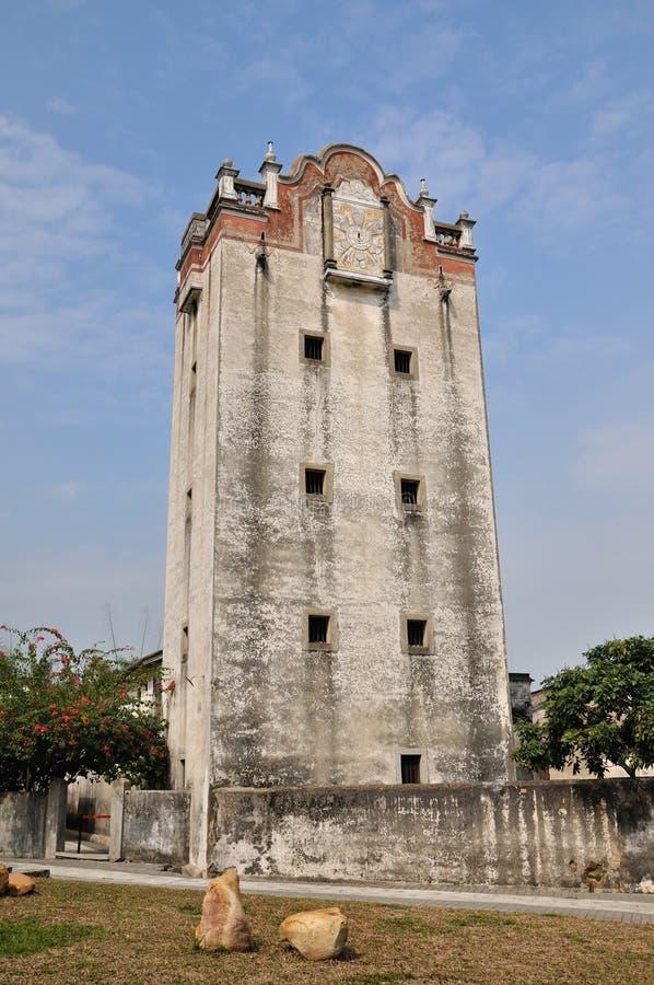 Vieux Tour De Guet Militaire En Cour De La Chine Méridionale Photo libre de droits